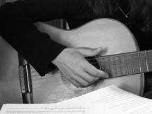 guitar-woman-1435839
