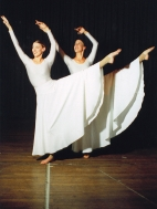 dancers-in-white-1440514