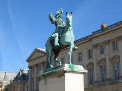 king-louis-at-versailles-1553663