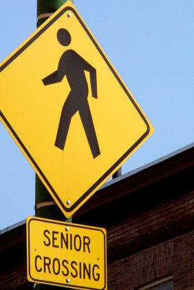 senior-crossing-1253800