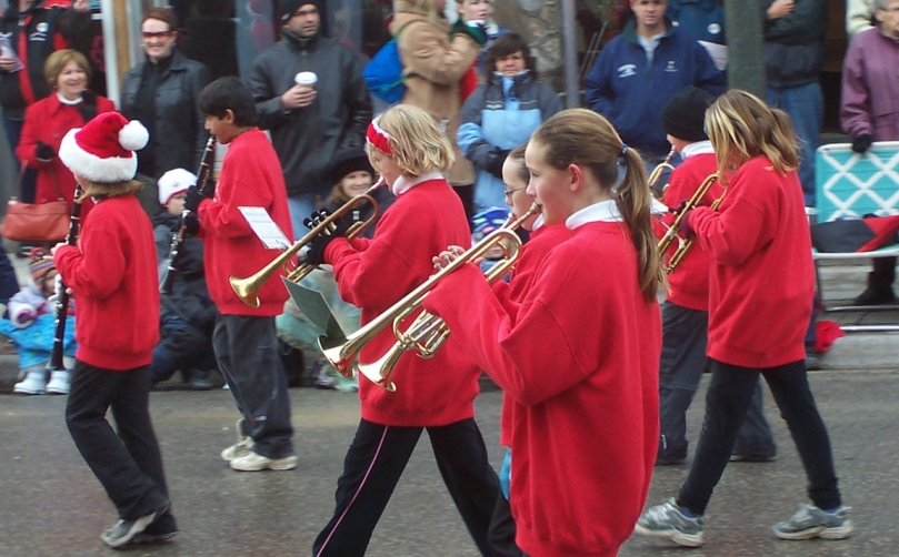 parade-band-1421028 Sarah DeVries