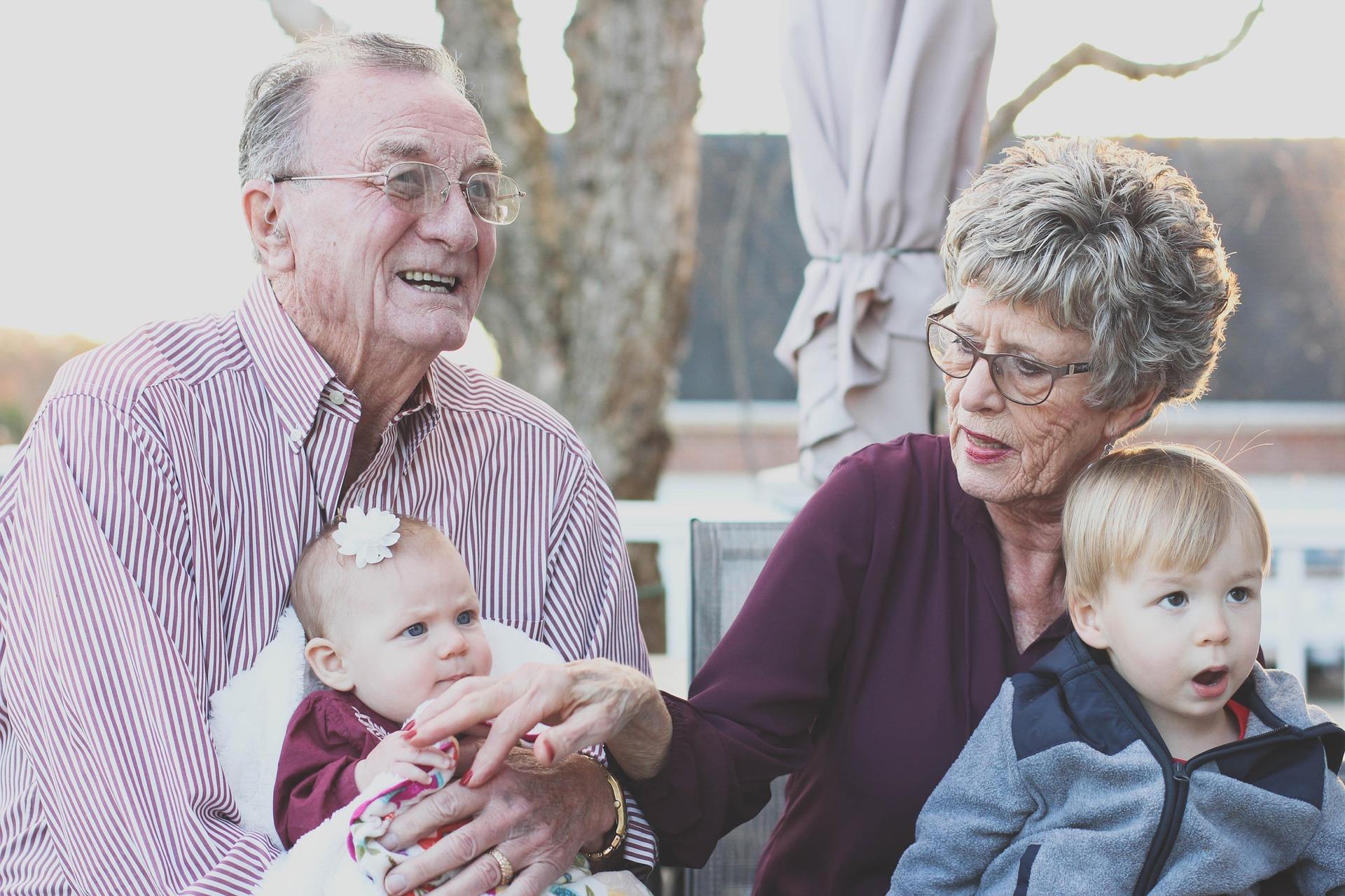 grandparents-1969824_1920_sylviebliss