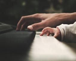piano-2564908_1920StockSnap