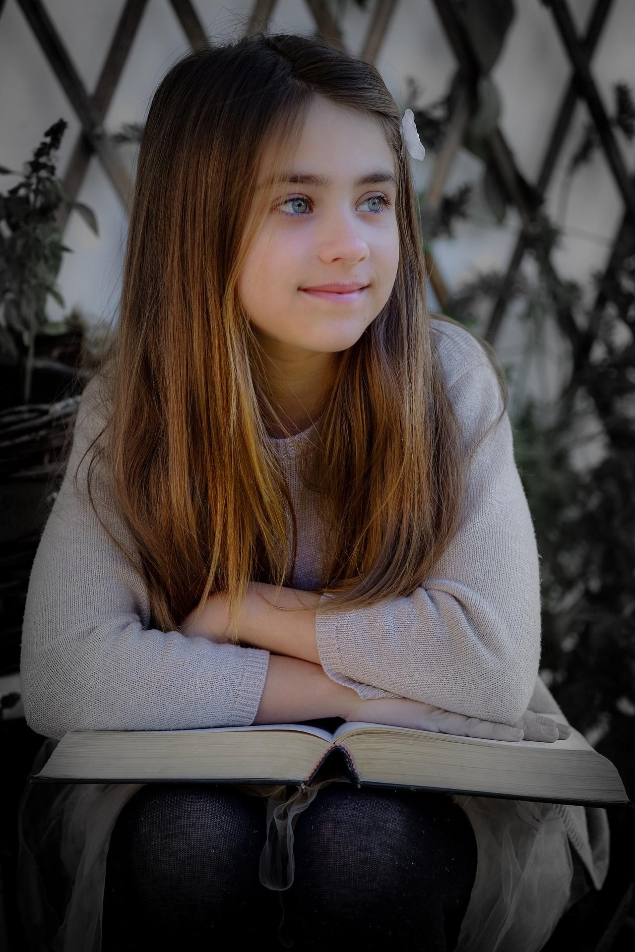 little-girl-3043324_1920_Atlantios