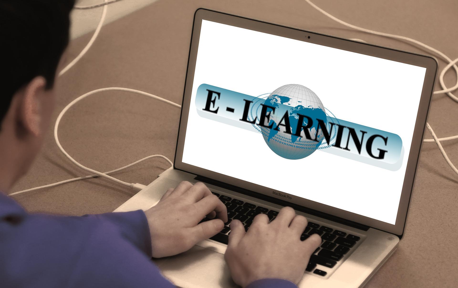 learn-868815_1920_geralt