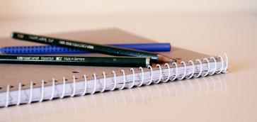 spiral-notebook-381032_1920_kathrin_