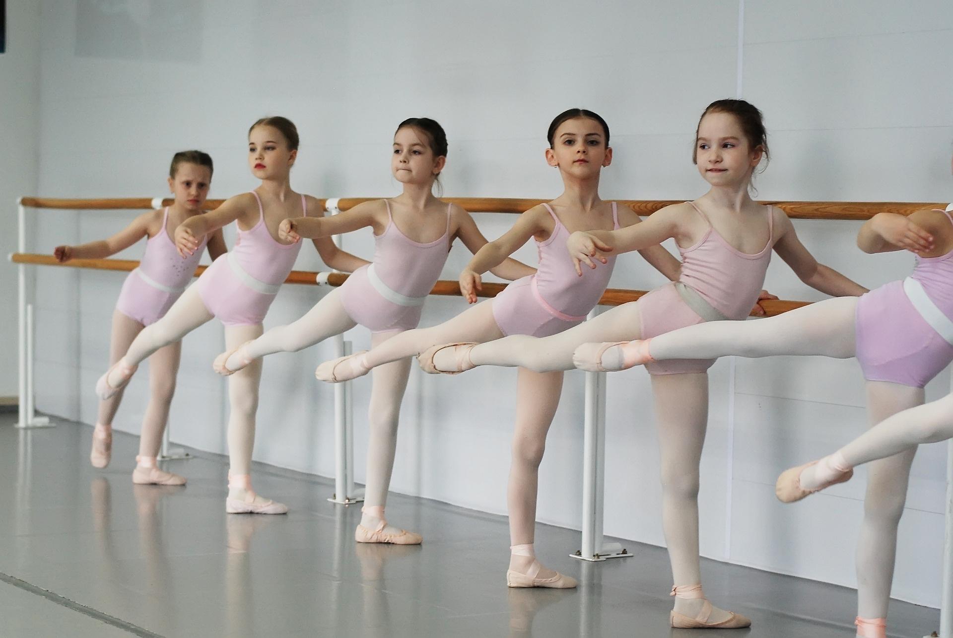 ballet-3362682_1920_sobima