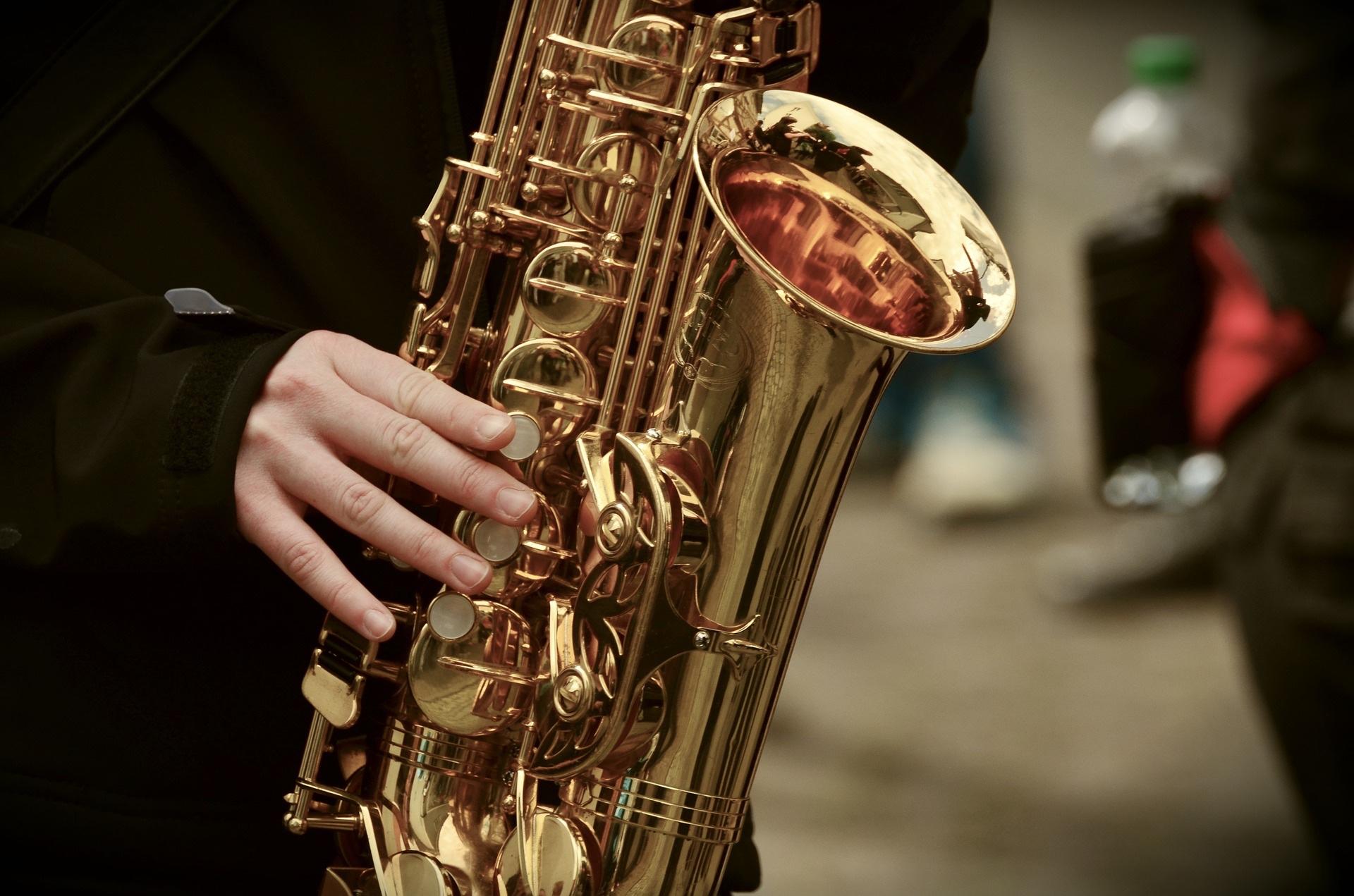 saxophone-3246650_1920_congerdesign