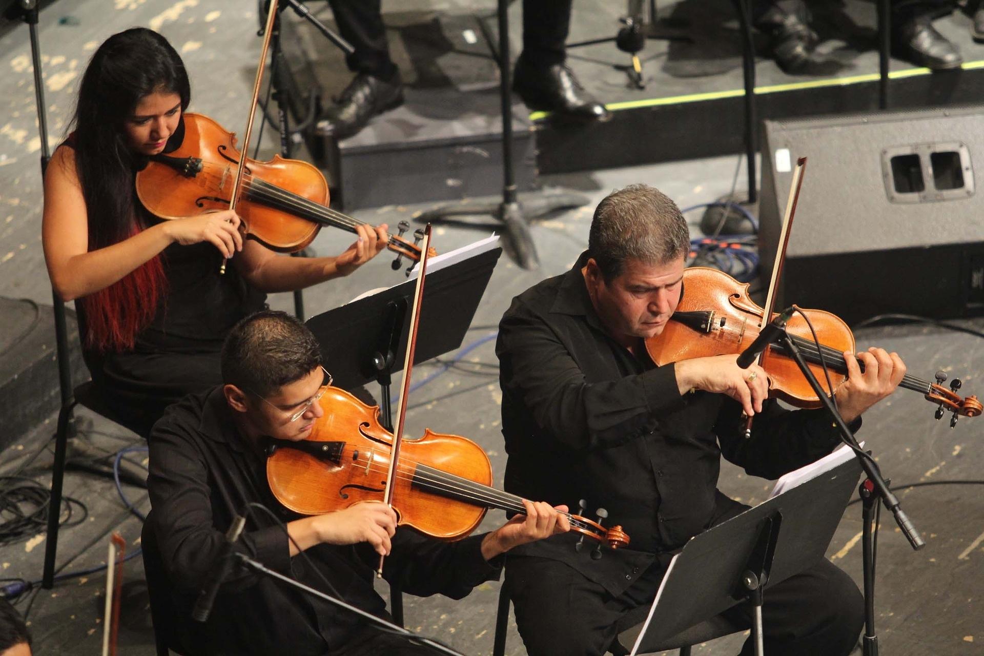 orchestra-2817188_1920_ernestoeslava