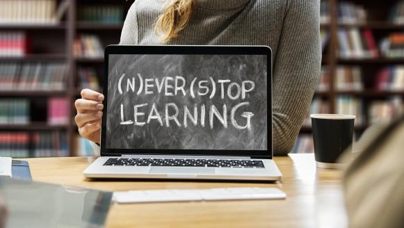 learn-3653430_1920_geralt